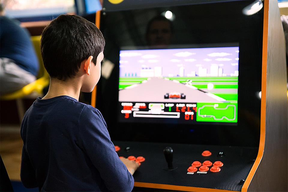 Electronic & Digital Games
