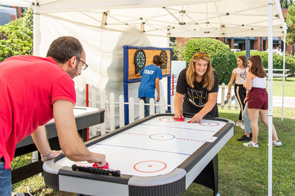 Air Hockey (K.18)