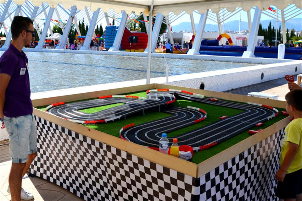 Slot Cars by airgame