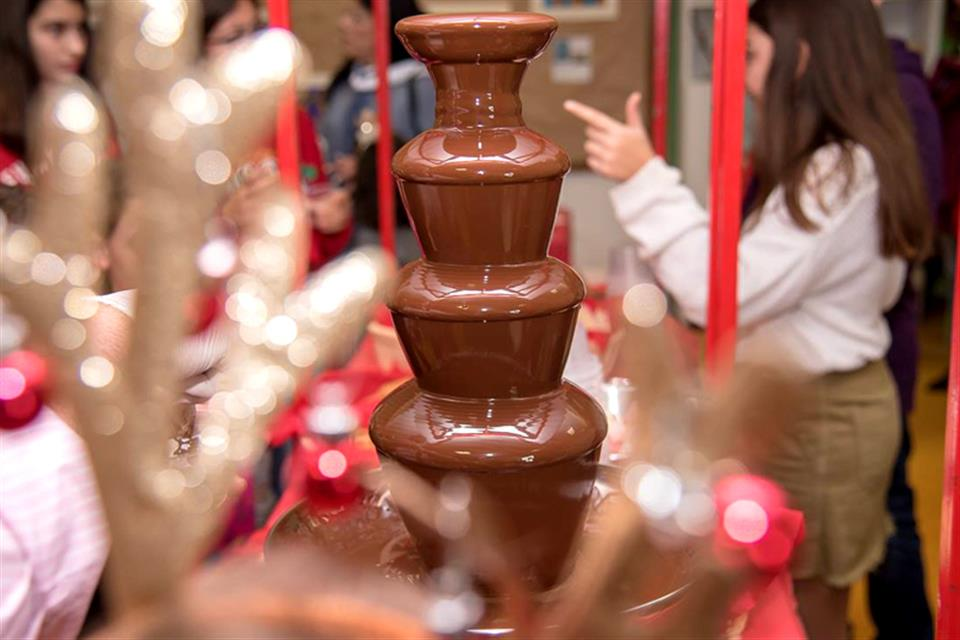 Chocolate fountain on stand