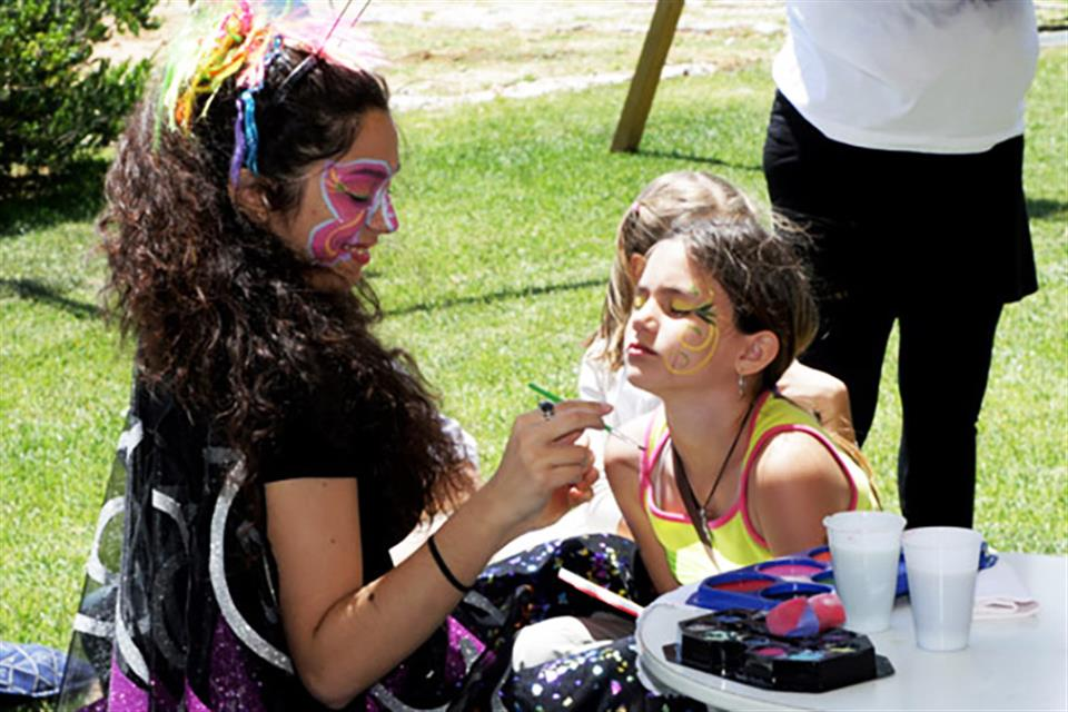Face Painting by airgame