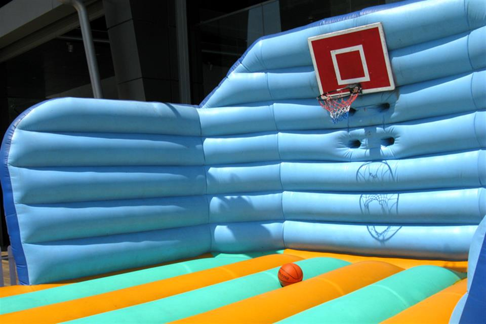 Bouncy Basket by airgame